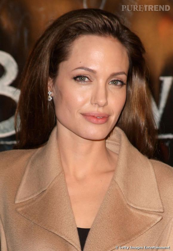 Les parfums des stars Nom : Angelina Jolie Parfum :Love In White de Creed
