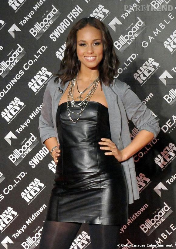 Les parfums des stars       Nom :   Alicia Keys    Parfum :   Bulgari Black