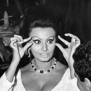 Sophia Loren, superbement immortalisée par l'objectif du maestro.