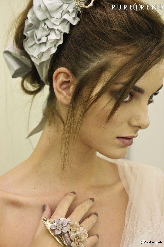 Comment choisir sa coiffure de mari e - Comment couper sa frange en biais ...