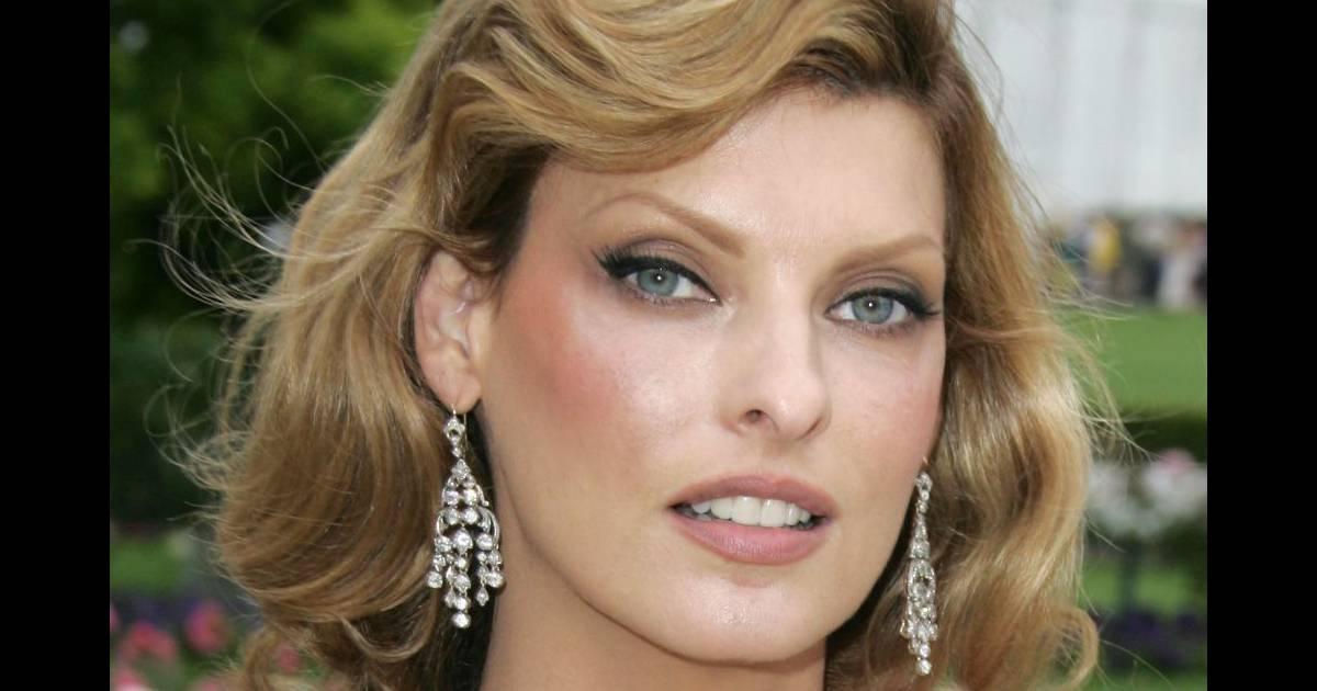 Coiffez votre carr long de belles boucles comme linda - Blonde aux yeux marrons ...