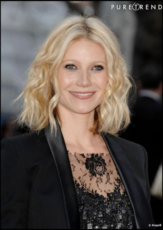 le top coiffure carr ondul et un peu wild gwyneth paltrow adoucit les traits de son visage. Black Bedroom Furniture Sets. Home Design Ideas