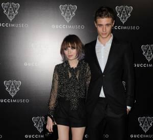 Emily Browning est venue comme souvent accompagnée de son petit ami, l'acteur Max Irons.