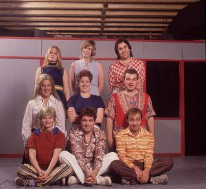 """En 1992 : Jane a 32 ans et participe à la tournée du spectacle """"The Real Live Brady Bunch"""". Question look et surtout coiffure, ce n'est pas encore ça."""