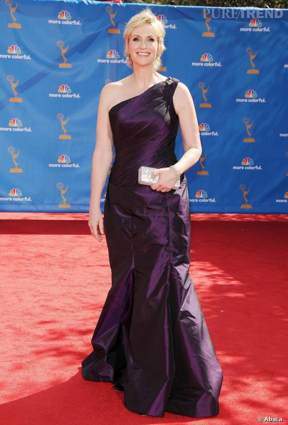 En 2010 :    Jane dompte de mieux en mieux la robe de soirée. Ou s'est enfin offert les services d'une styliste personnelle.