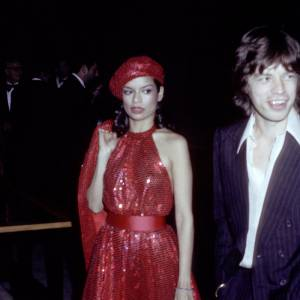 Une icône : Bianca Jagger, ses costumes d'homme, mais surtout ses robes de diva seventies.