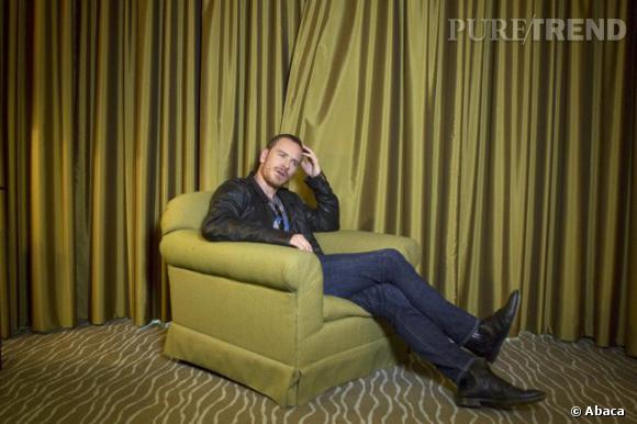 """1- CV express Né en Allemagne mais élevé en Irlande, Michael Fassbender est un acteur. Premier point. Un acteur dont le nom ne cesse de buzzer depuis des mois. Deuxième élément important. Et pour cause. Un CV plutôt bien fourni (voir dans la suite), à l'affiche cet été d'""""X-Men"""", Mike nous promet une fin d'année riche. Personnage principal du sulfureux """"Shame"""" de Steve McQueen, drame sur un accro du sexe aux relations décousues, il joue avec ce rôle sa meilleure carte pour s'assurer encore plus de crédibilité intello tout en lorgnant du côté sexy. Déjà comparé à Viggo Mortensen, son partenaire de jeu dans """"A Dangerous Method"""", sortie prévue deux semaine plus tard (le 21 décembre), Michael semble le nouveau visage d'une génération d'acteurs à l'intelligence rare et à l'attitude nonchalemment séductrice. Sexy malgré lui dira-t-on."""