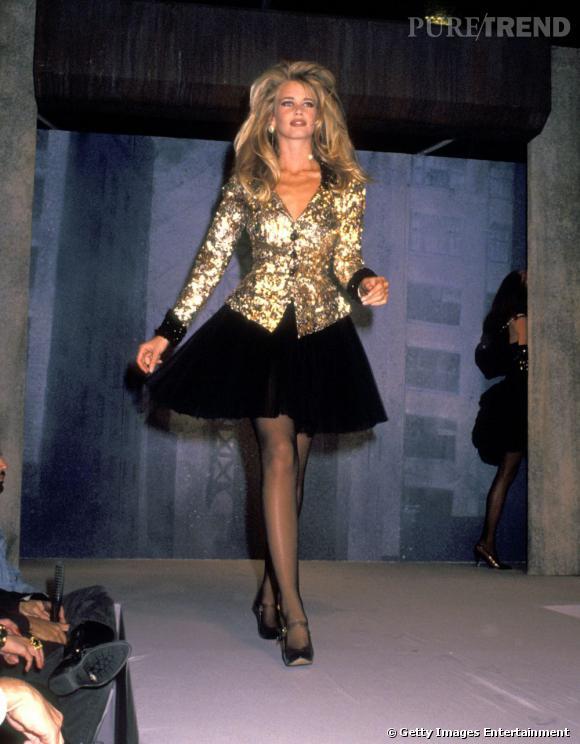 Du haut de son mètre 80 et ses faux airs de Bardot, Claudia Schiffer jouait les reines des podiums dans les anées 90.