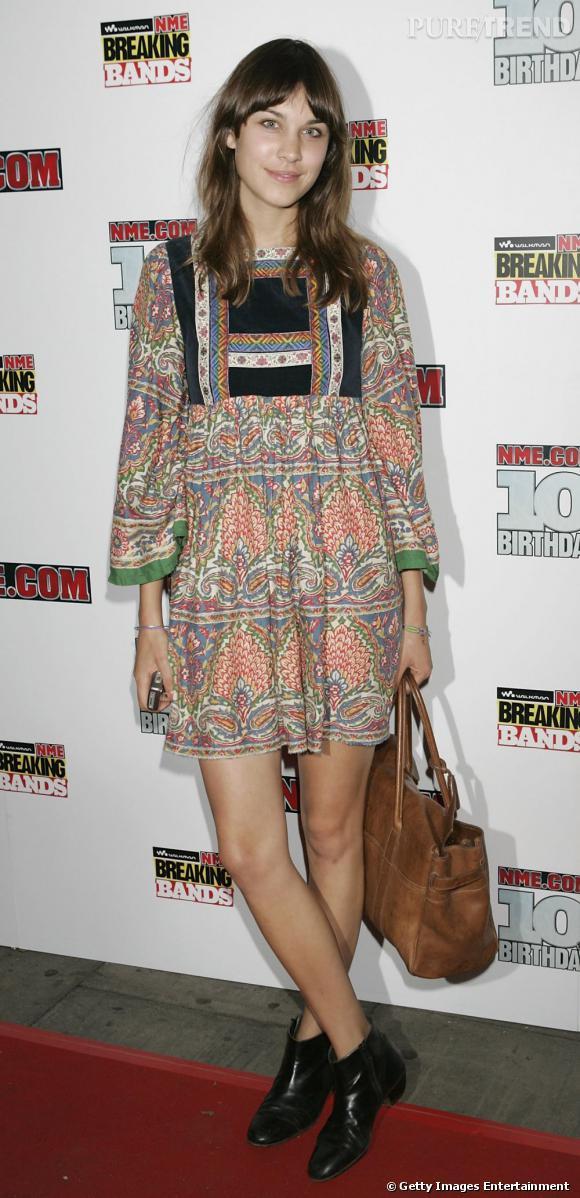 It-girl britsh, c'est en tant que mannequin qu'on découvre Alexa Chung notamment pour Urban Outfitters ou sur le défilé pour Vivienne Westwood.