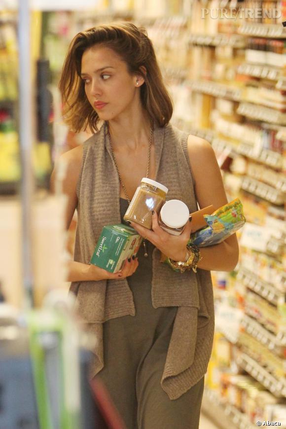 Jessica Alba, parfaite même pour faire du shopping.