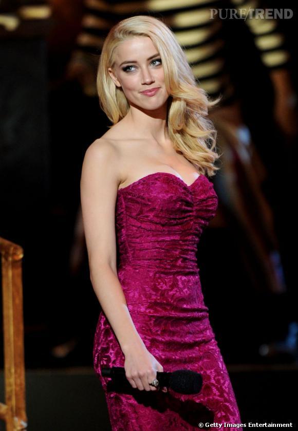 Amber Heard joue les présentatrices lors des Scream Awards 2011 à Universal City.
