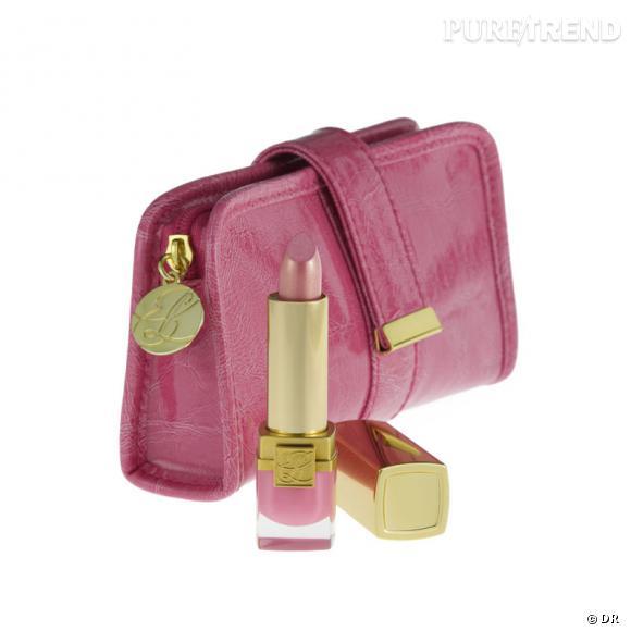 Rouge à lèvres Pure Color Crystal Elizabeth Lavish Pink avec pochette Ruban Rose   Prix : 24 €   À partir du 3 octobre 2011.