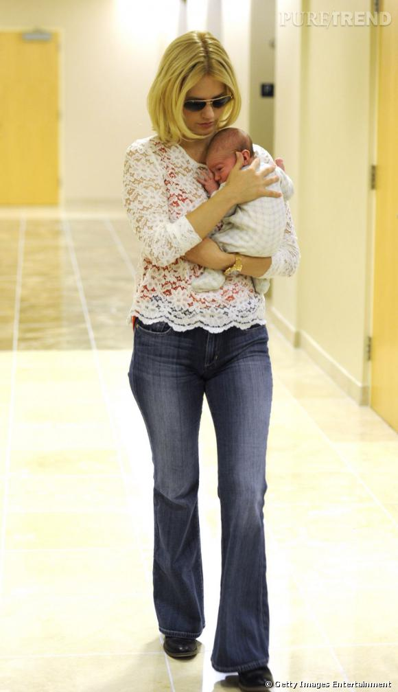 January Jones et son bébé mystère, on ne sait toujours pas qui est le papa.