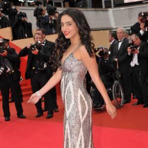 Hafsia Herzi en robe de sirène. Pas si sage que ça la petite.
