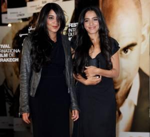 Hafsia Herzi, sa petite robe noire, aux côtés de Leila Bekhti.