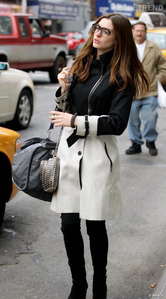 ebe177f971b0 Les stars adoptent les lunettes de vue à l image d Anne Hathaway ...