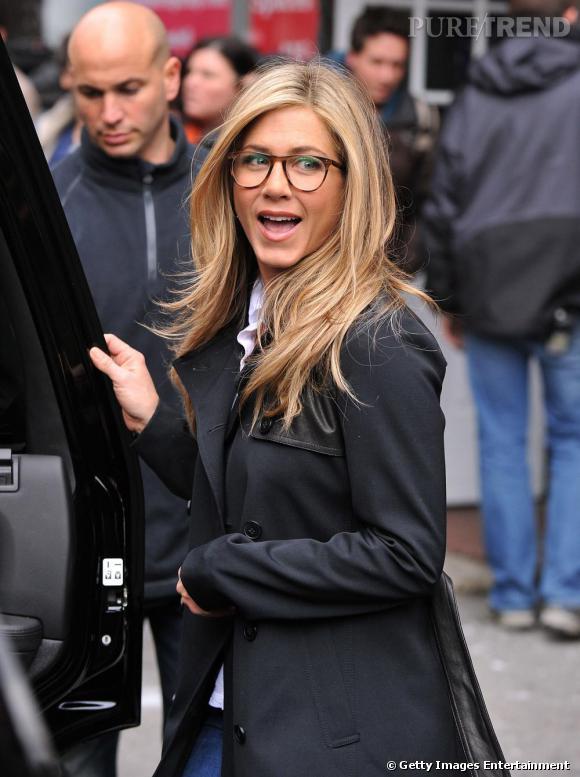 bfb2c1032607 Les stars adoptent les lunettes de vue à l  039 image de Jennifer Aniston
