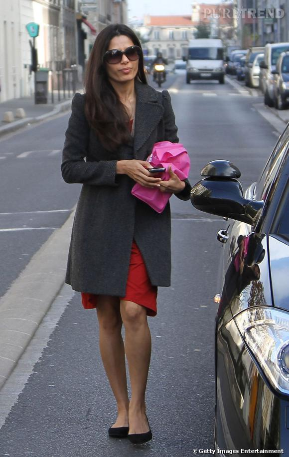 Freida Pinto est à Paris. À bon entendeur...