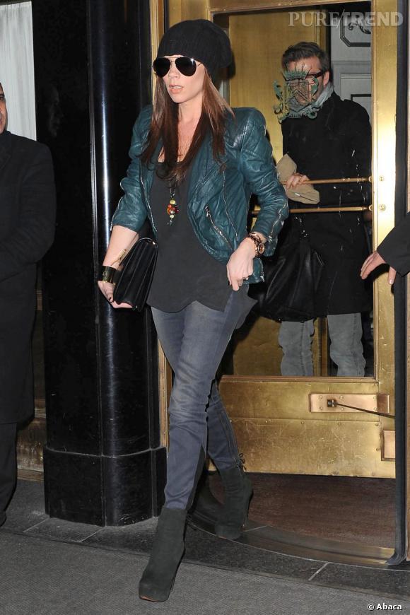 Allure rock'n'cool pour Victoria Beckham.
