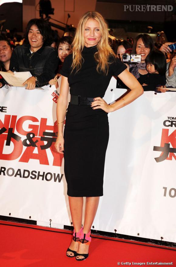 Cameron Diaz en robe Bottega Veneta noire est somptueuse.  Verdict : on adopte.