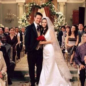 """On l'aime, on l'adore, on l'adule, on n'oubliera jamais le mariage de Monica et Chandler dans """"Friends""""."""