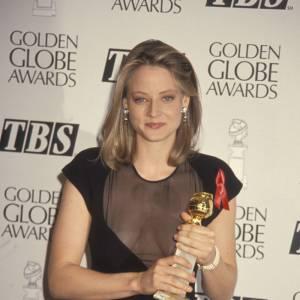 En 1992 : Jodie dévoile ses atouts et se fait ultra-sexy.