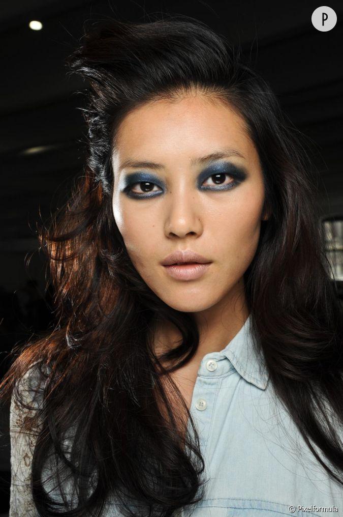 15 Id Es De Maquillage Pour Les F Tes Le Bleu Nuit