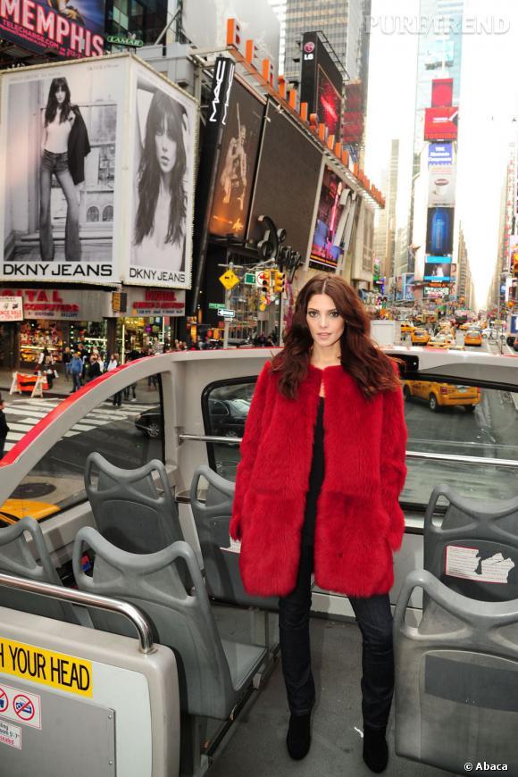 L'actrice est à la fois sexy, mode et hivernale.
