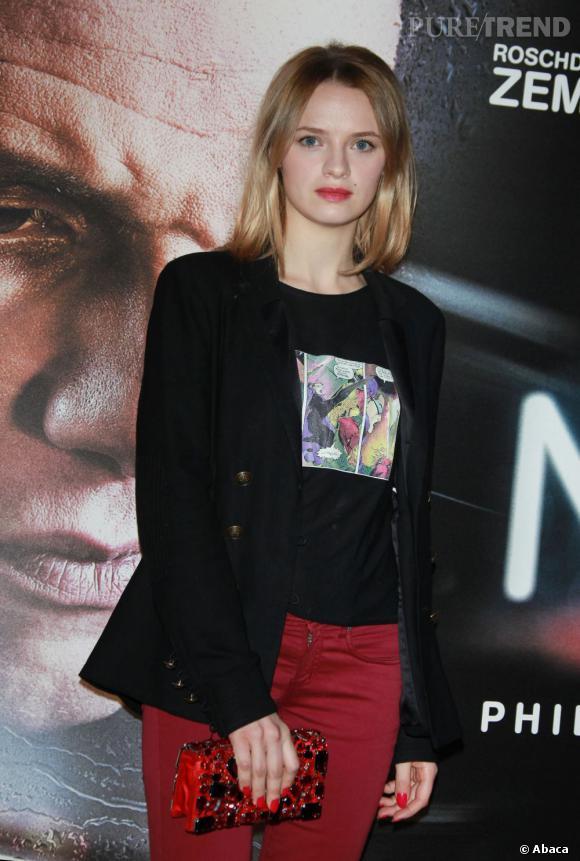 """Sara Forestier à la première du film """"Une nuit """" à Paris."""