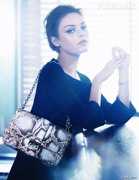 Mila Kunis, égérie des sacs Miss Dior de Christian Dior.