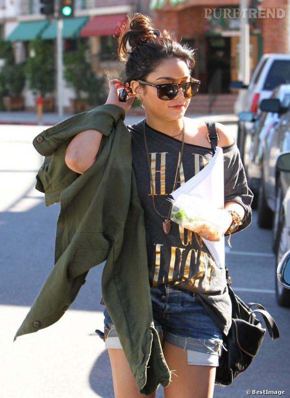 Vanessa Hudgens en shorty à Los Angeles.