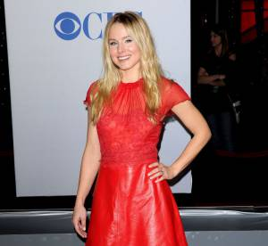 People's choice awards : Kristen Bell, rouge ardent