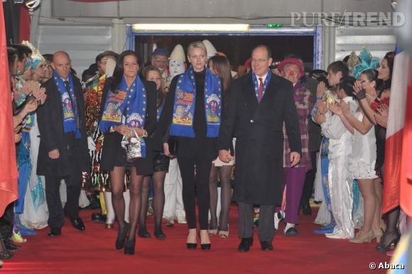 Charlène Wittstock est arrivée entourée de son mari le Prince Albert et de Stephanie de Monaco, présidente du Festival.