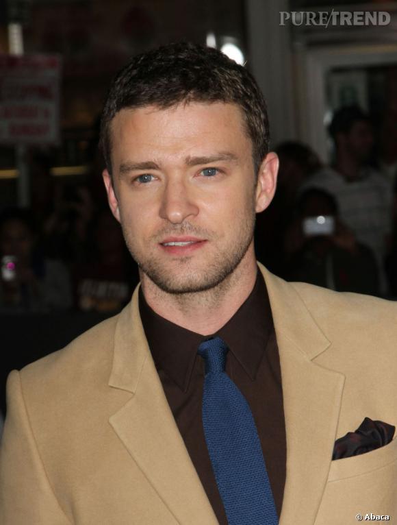 Justin Timberlake a les cheveux très bouclés. Il opte donc pour une coupe courte qui ne l'encombre pas.
