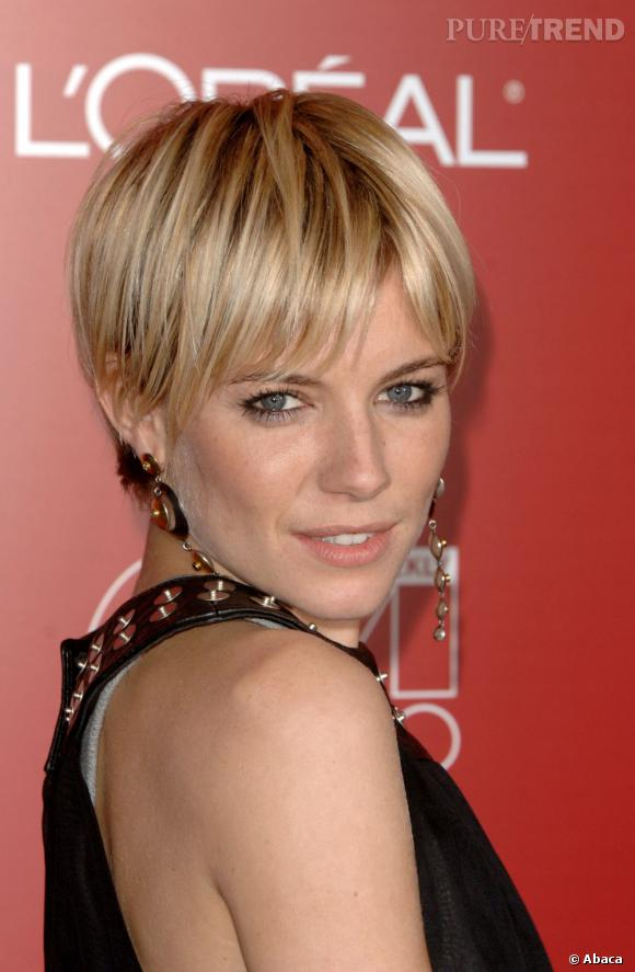 sienna miller avec une coupe courte la gar onne. Black Bedroom Furniture Sets. Home Design Ideas