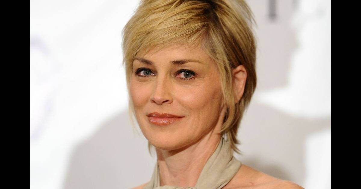 Coupe de cheveux sharon stone for Coupe de cheveux sharone stone