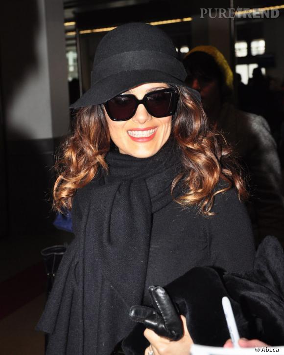 Salma Hayek à l'aéroport de Berlin à l'occasion de La Berlinale 2012.