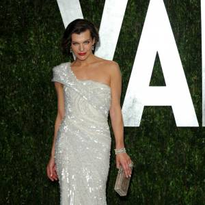 Milla Jovovich en Elie Saab haute-couture collection 2009/2010.