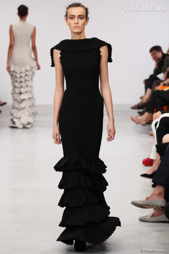 Défilé Azzedine Alaïa Haute Couture Automne-Hiver 2011-2012
