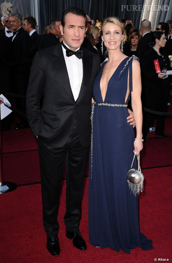 Alexandra Lamy a fait confiance à Mathilde Castello Branco, nouvelle directrice artistique de chez Azzaro, pour son apparition sur le tapis rouge au bras de son mari Jean Dujardin, Oscar du meilleur acteur.