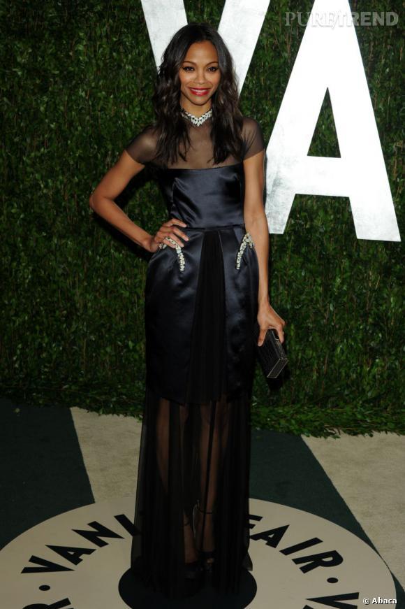 Zoe Saldana a chosi le créateur Marios Schwab pour son apparition à la soirée Vanity Fair.
