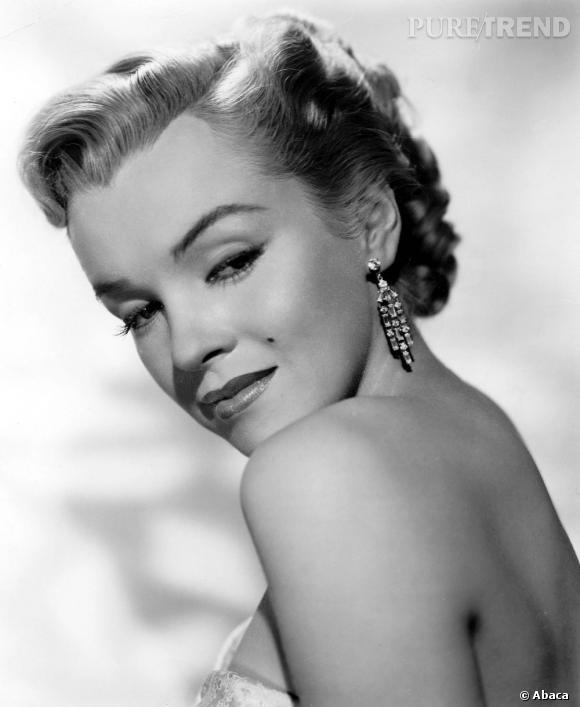 """Marilyn Monroe mise à l'honneur cette année après le film """"My Week With Marilyn"""" et l'affiche à son image à Cannes."""