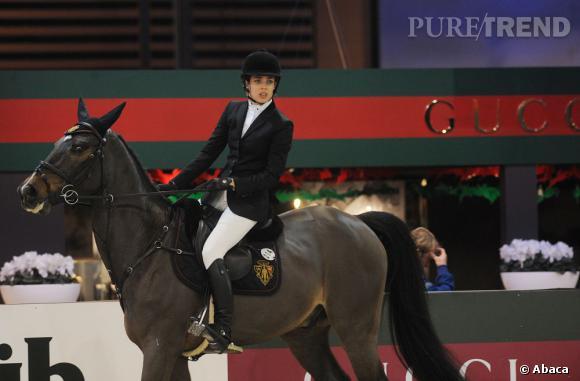 Les sports préférés des stars pour une jolie silhouette     Sport peu commun s'il en est, l'équitation permet de muscler ses cuisses, de travailler ses abdos et de renforcer son dos. Charlotte Casiraghi est passée pro.