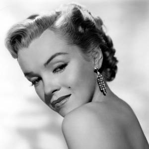 En 1952 c'est d'une femme qu'elle s'amourache : Marilyn Monroe. Une simple rumeur certes, qui réunit les deux plus belles femmes du moment.