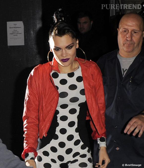 Jessie J, décaléé comme toujours !