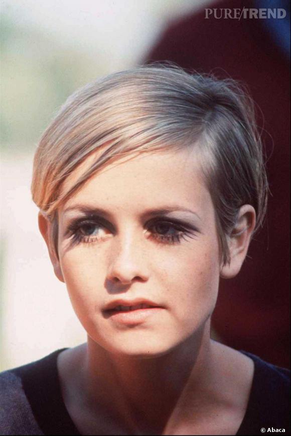 Twiggy, icône du style androgyne bien avant les Kate Moss et autres tops.