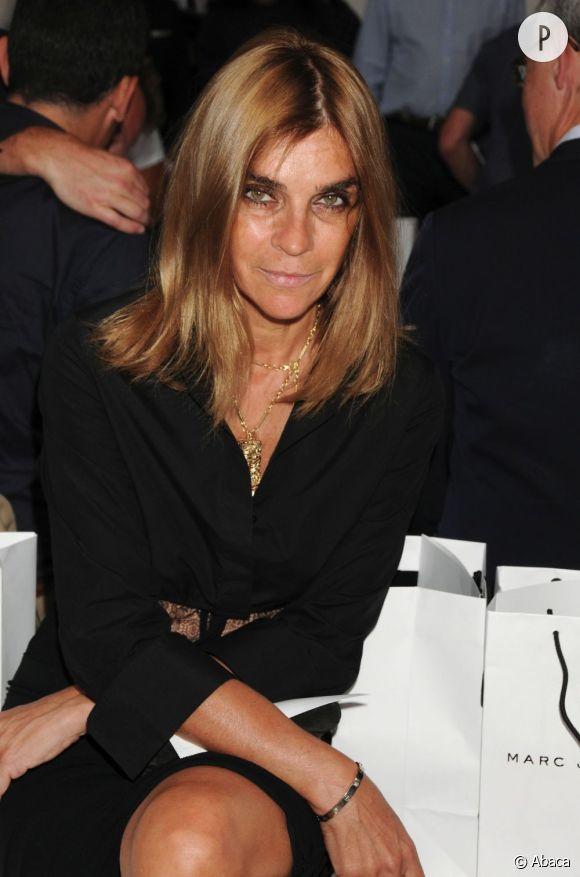 Carine Roitfeld, ancienne rédactrice en chef de Vogue France va lancer une collection capsule pour MAC.