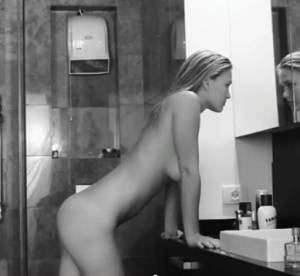 La vidéo sexy du jour ferié : Bar Refaeli pour Under.Me