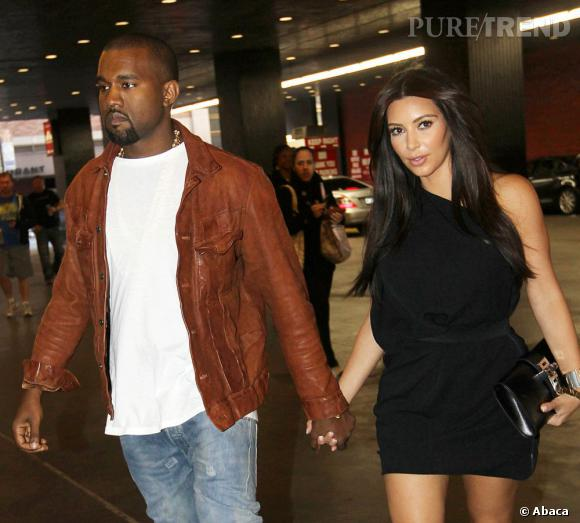 """Kim Kardashian en couple avec Kanye West tweete des messages d'amour : """"Je t'aime comme une chanson d'amour bébé""""."""