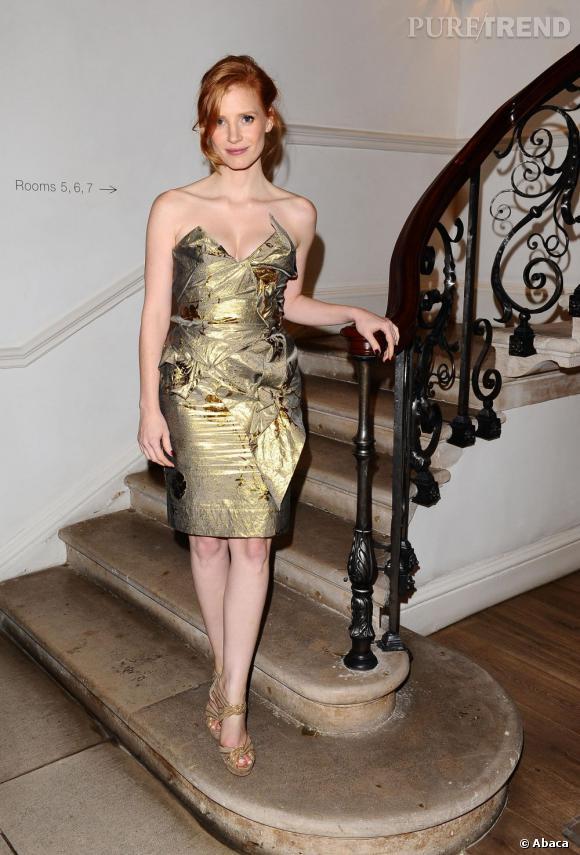 Jessica Chastain adopte le lamé en Vivienne Westwood.